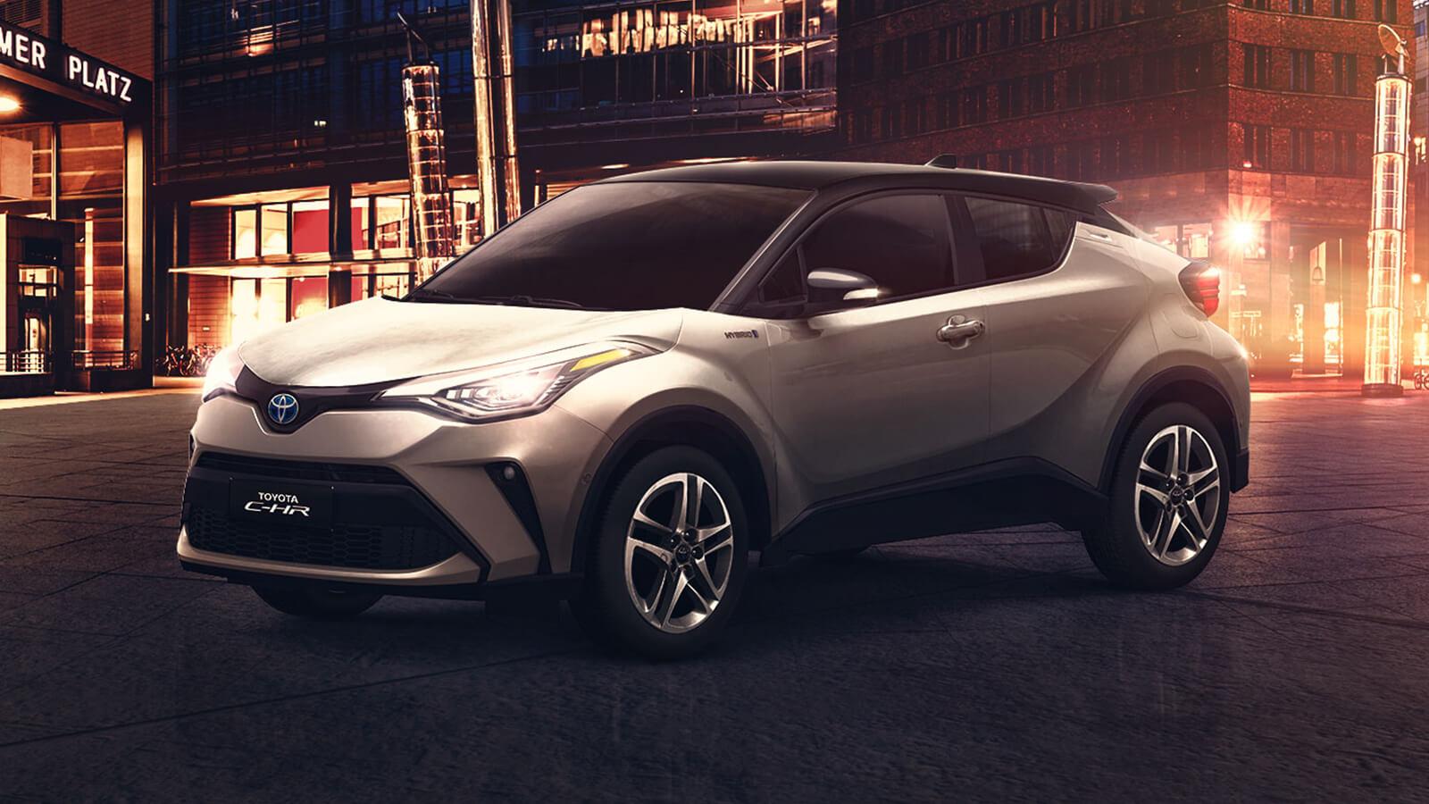 Toyota chr en la noche vista lateral exterior