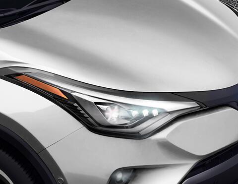 Toyota chr exterior vista de faros delanteros