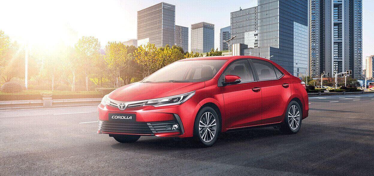 Auto Toyota Corolla rojo