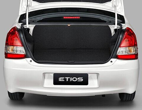 Carro familiar Etios | Toyota