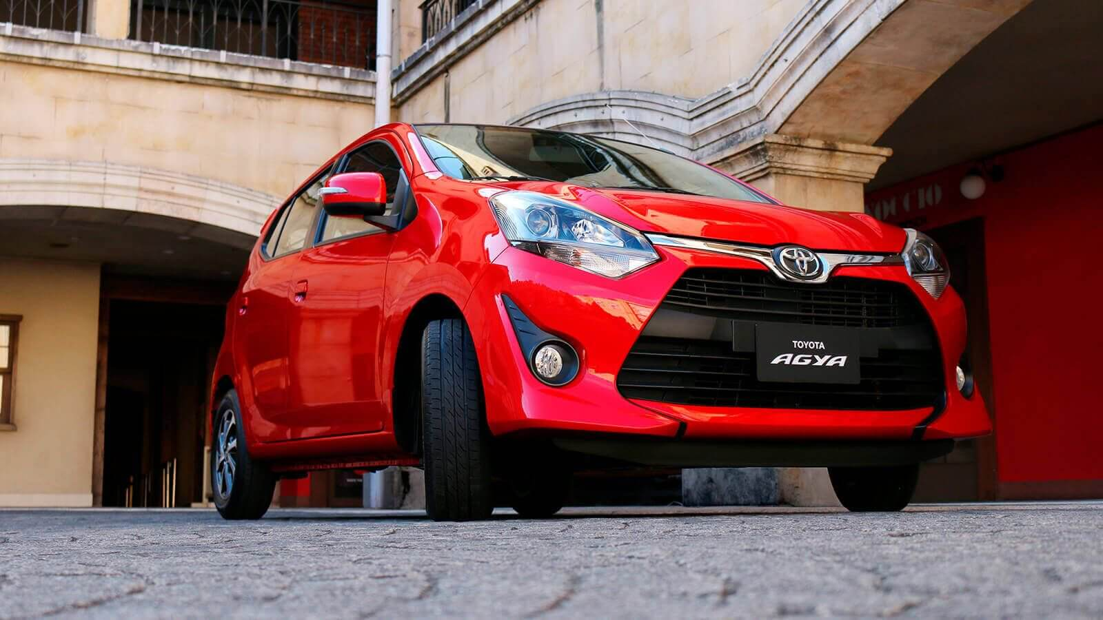 Frontal auto Agya Toyota