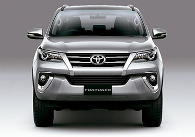 Frontal camioneta Toyota SUV Fortuner