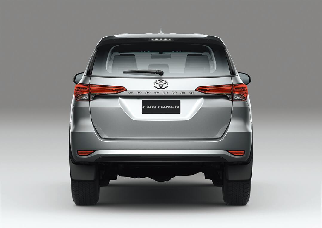 Parte trasera de las camionetas Toyota Fortuner